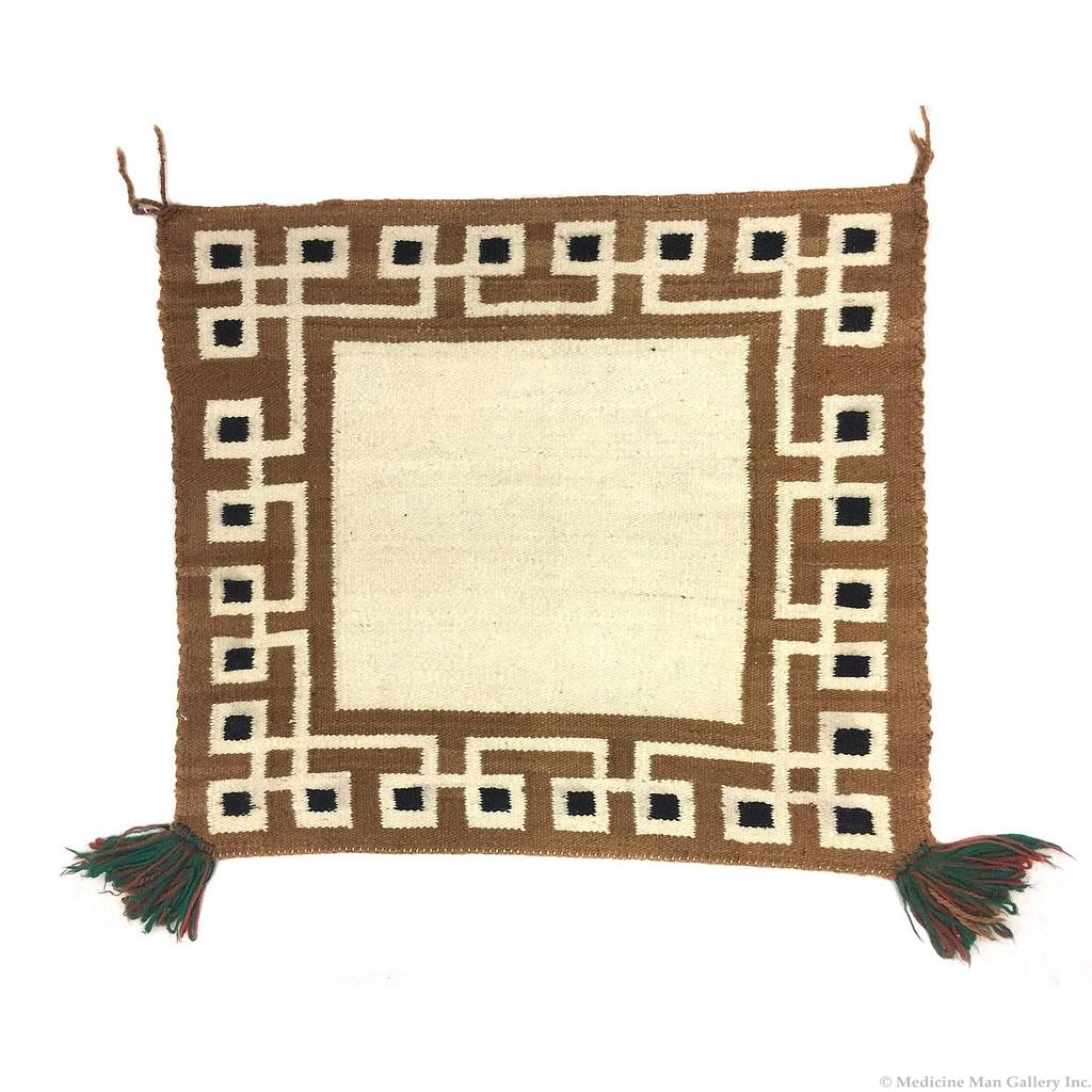Identifying Purchasing Or Selling Navajo Saddle Blankets